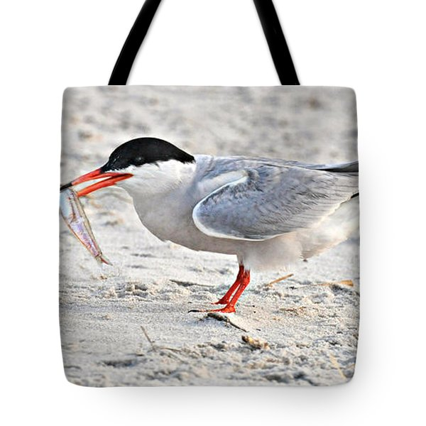 Feeding Time Tote Bag by Dave Mills