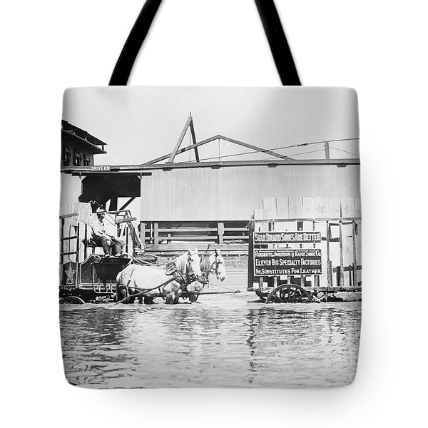 Flooding On The Mississippi River, 1909 Tote Bag by Library of Congress