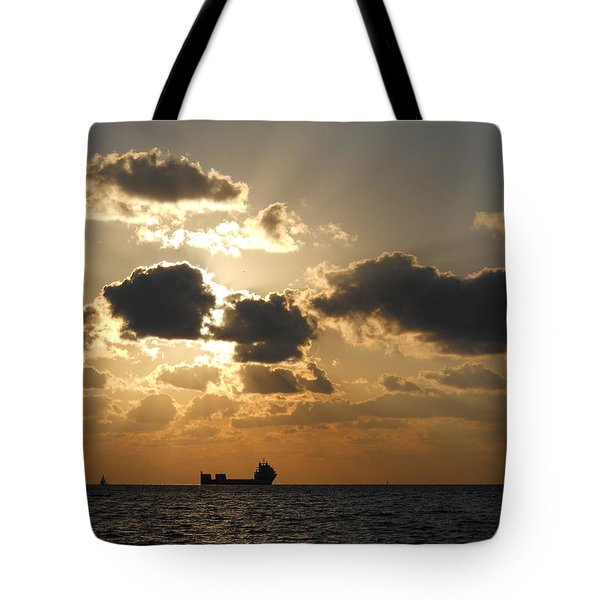 Tote Bag featuring the photograph Fort Lauderdale Sunrise by Clara Sue Beym
