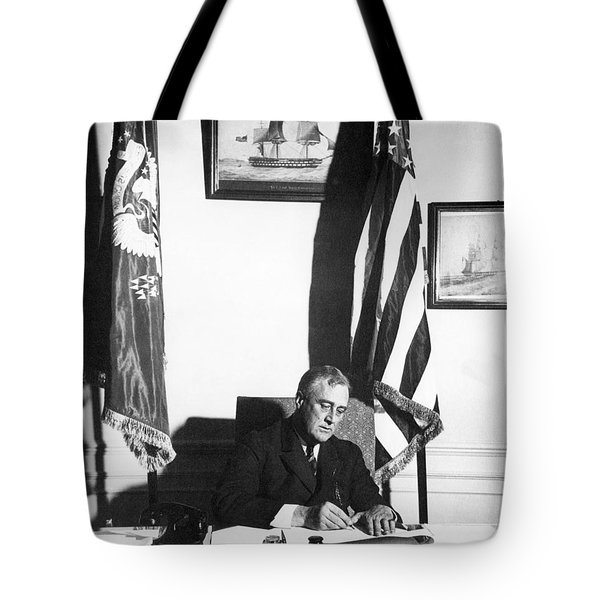 Franklin D. Roosevelt, 32nd American Tote Bag by Omikron