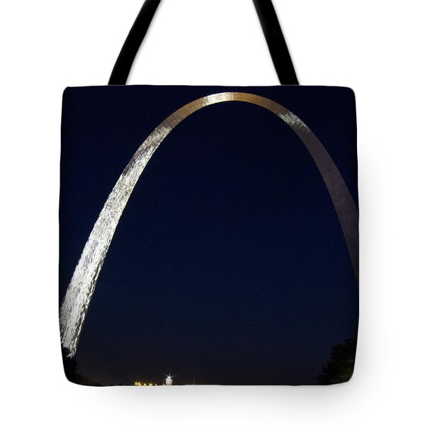 Tote Bag featuring the photograph Gateway Arch At Night by Nancy De Flon