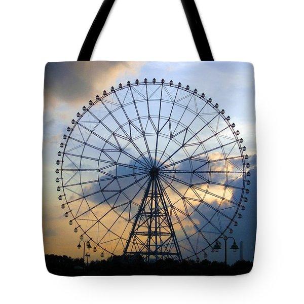 Giant Ferris Wheel At Sunset Tote Bag by Paul Van Scott