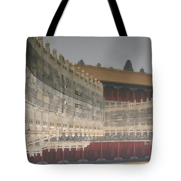 Tote Bag featuring the photograph Golden Rive At Forbidden City by Alfred Ng