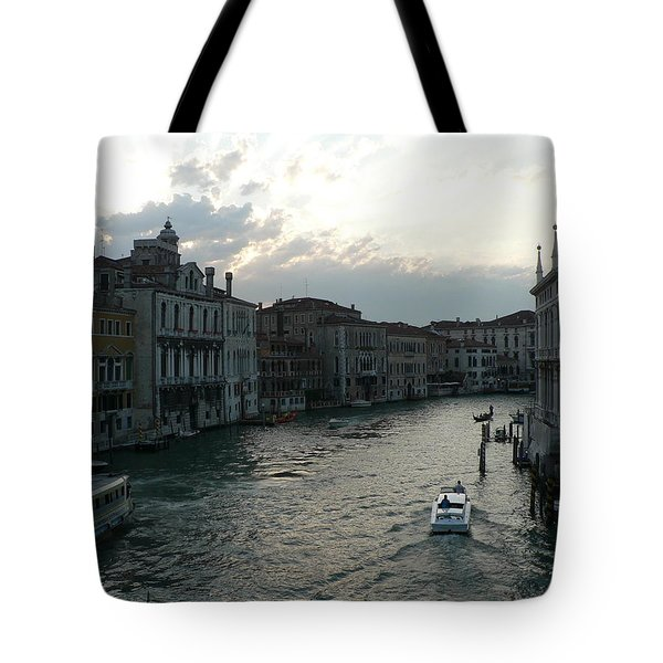Tote Bag featuring the photograph Grand Canal At Dusk by Laurel Best