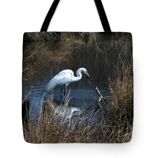 Tote Bag featuring the photograph Great Egret With Fish Dmsb0034 by Gerry Gantt