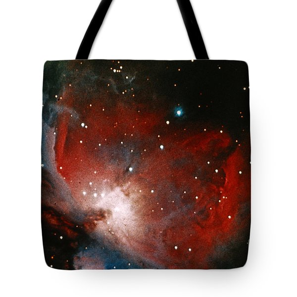 Great Nebula In Orion Tote Bag by Science Source