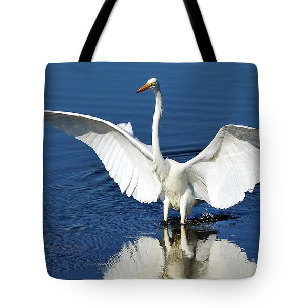 Great White Egret Spreading Its Wings Tote Bag