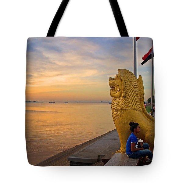 Greeting The Dawn. Tote Bag