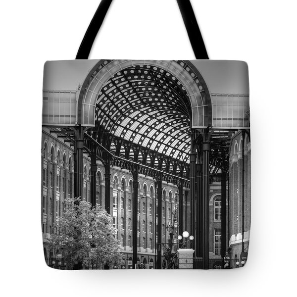 Hays Galleria London Tote Bag