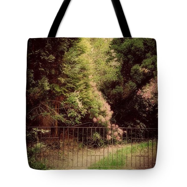 Tote Bag featuring the photograph Hidden Garden by Marilyn Wilson