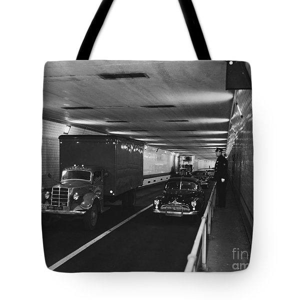 Holland Tunnel, Nyc Tote Bag by Photo Researchers