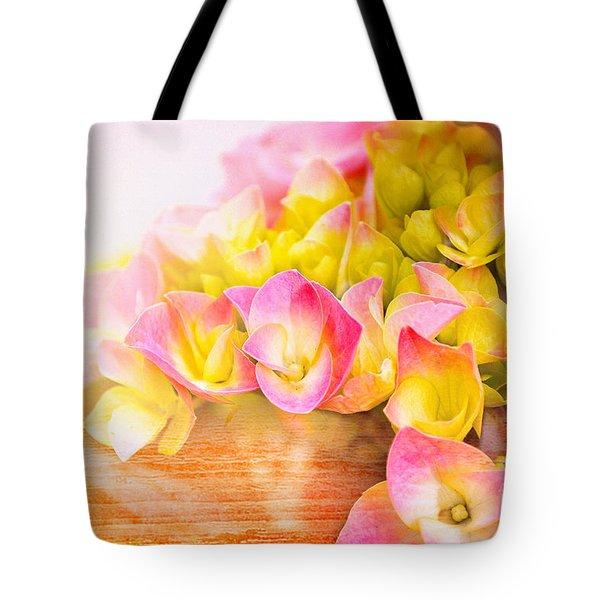 Hydrangeas In Bloom Tote Bag by Elaine Manley