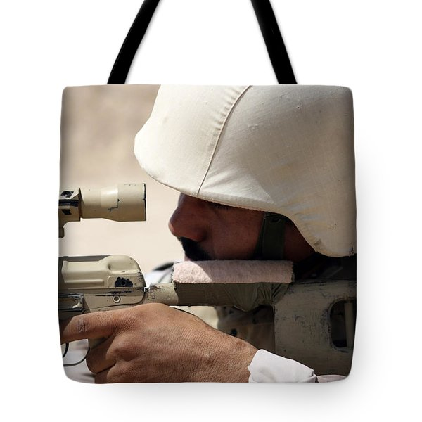 Iraqi Army Sergeant Sights Tote Bag by Stocktrek Images