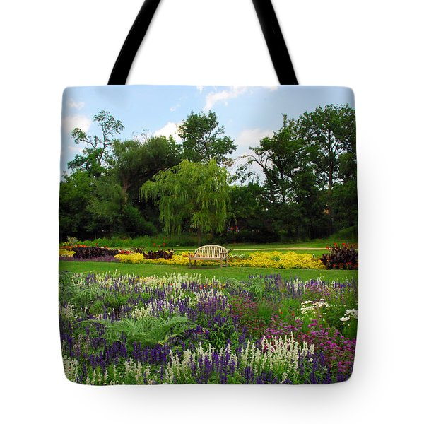Tote Bag featuring the photograph Lincoln Park Gardens by Lynn Bauer