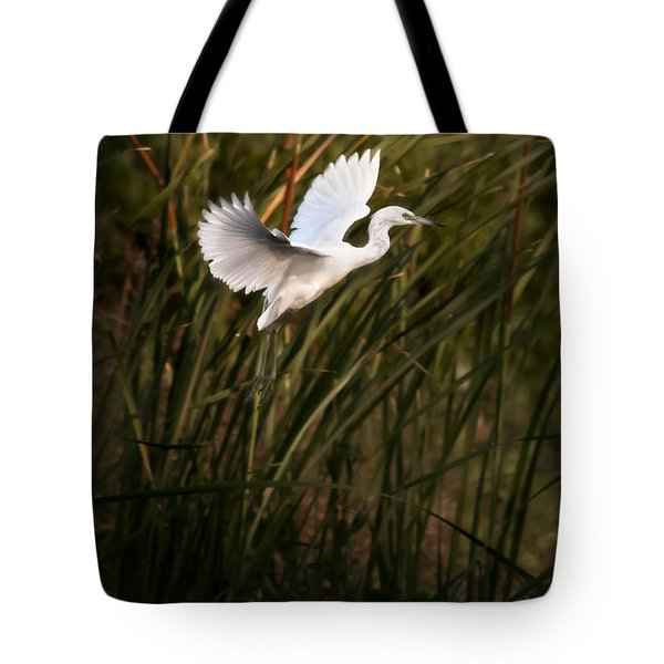 Tote Bag featuring the photograph Little Blue Heron On Approach by Steven Sparks