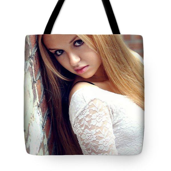 Liuda4 Tote Bag by Yhun Suarez