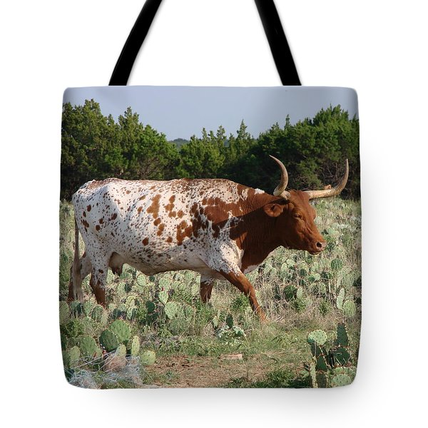 Longhorn In Cactus Tote Bag by Linda Cox