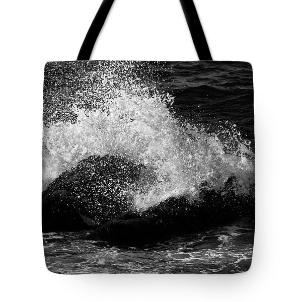Tote Bag featuring the photograph Making Waves by Nancy De Flon