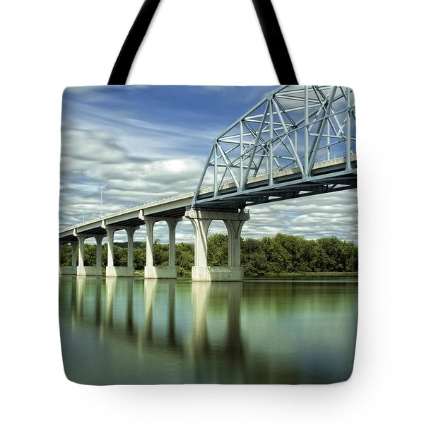 Tote Bag featuring the photograph Mississippi River At Wabasha Minnesota by Tom Gort