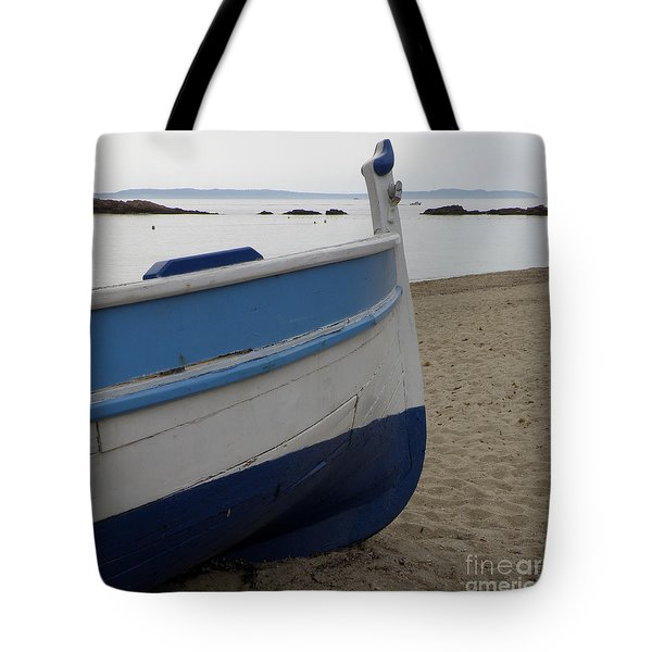 Tote Bag featuring the photograph Morning Seascape by Lainie Wrightson