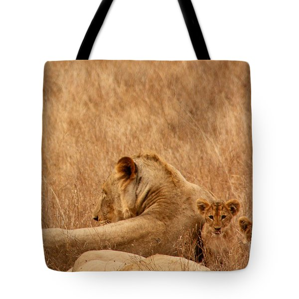 Mother Lion With Family Tote Bag