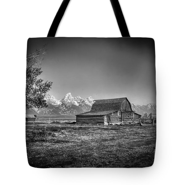 Moulton Barn Bw Tote Bag