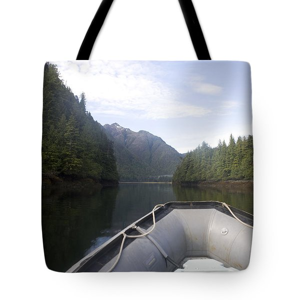 Nobody,boats, Ropes, Islands,horizontal Tote Bag by Taylor S. Kennedy