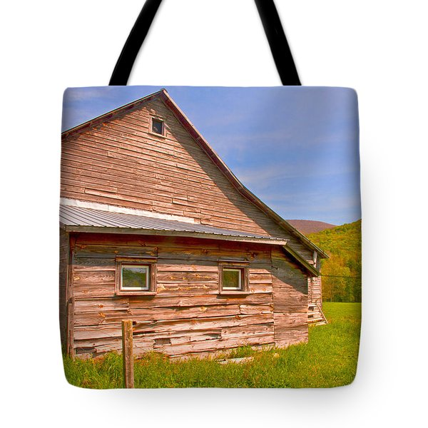 Tote Bag featuring the photograph Old Barn In The Valley by Nancy De Flon