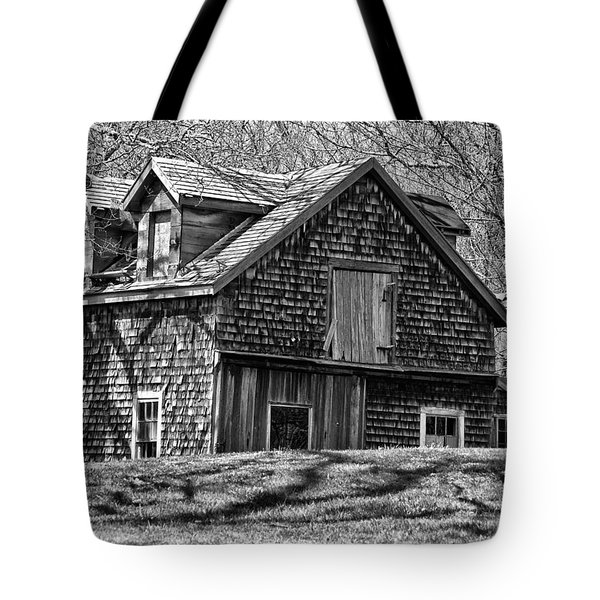 Tote Bag featuring the photograph Old House In Adamsville Ri by Nancy De Flon