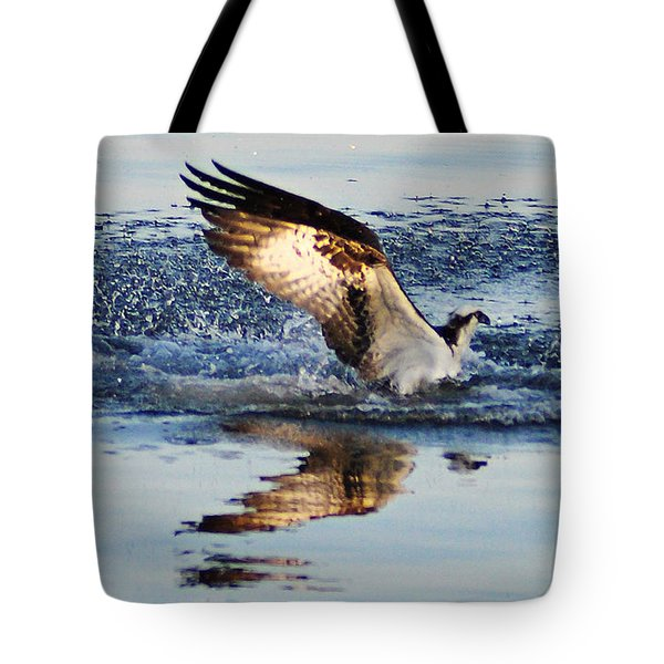 Osprey Crashing The Water Tote Bag by Bill Cannon