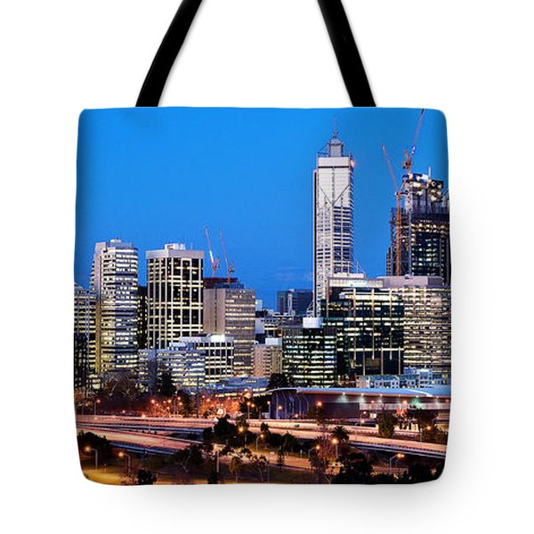 Tote Bag featuring the photograph Perth City Night View From Kings Park by Yew Kwang
