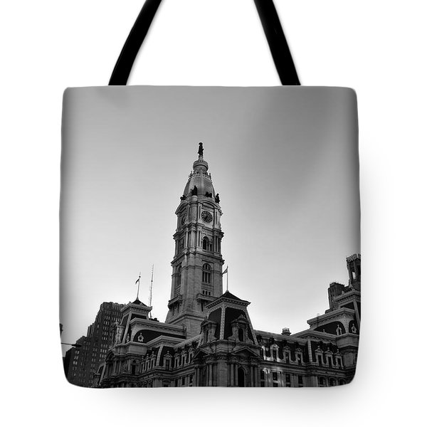 Philadelphias City Hall In Black And White Tote Bag by Bill Cannon