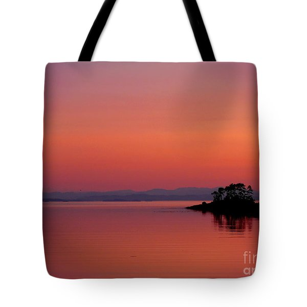 Pink Morn At Rock Point Tote Bag by Gail Bridger