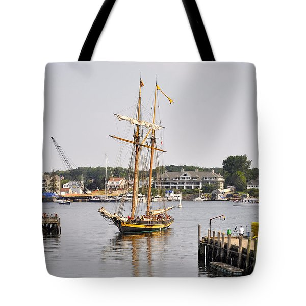 Pride Of Baltimore II Pb2p Tote Bag