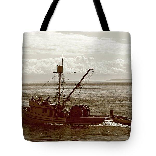 Tote Bag featuring the photograph Purse Seine Departure by Lorraine Devon Wilke