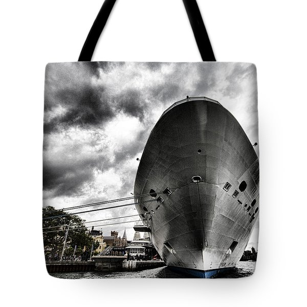Ready To Cruise Tote Bag by Douglas Barnard
