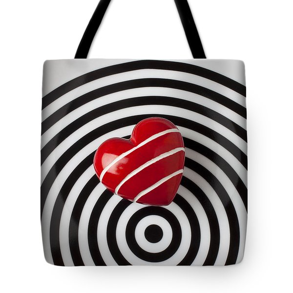 Red Heart On Circle Plate Tote Bag by Garry Gay