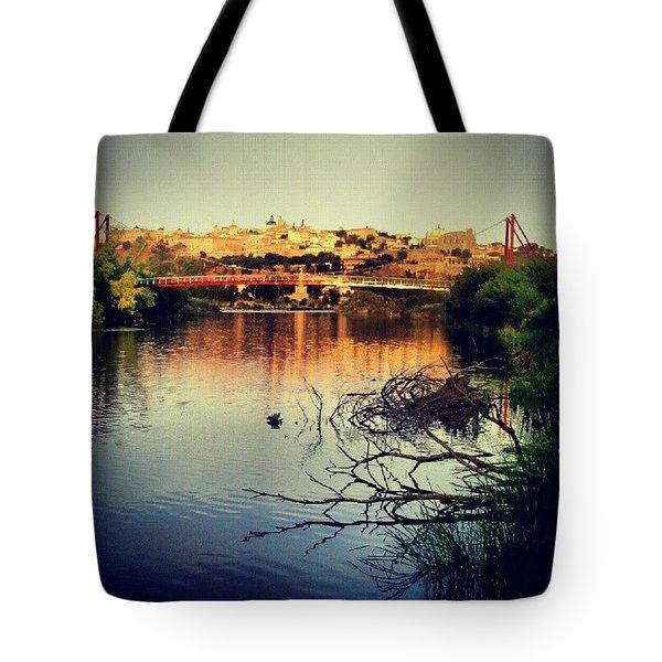 Rio Tajo Con Toledo Al Fondo Tote Bag