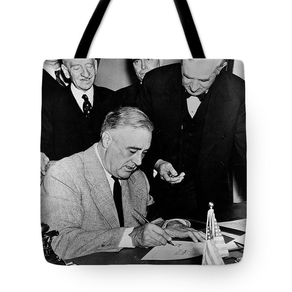 Roosevelt Signing Declaration Of War Tote Bag by Photo Researchers