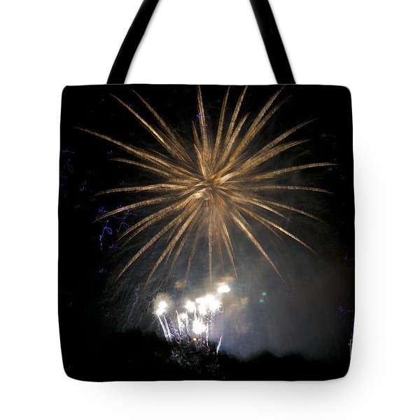 Tote Bag featuring the photograph Rvr Fireworks 1 by Mark Dodd