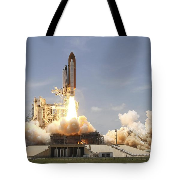 Space Shuttle Atlantis Lifting Tote Bag by Stocktrek Images