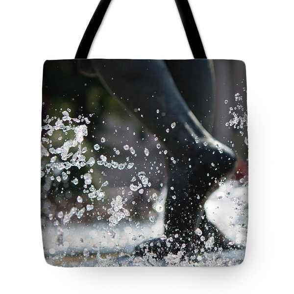 Tote Bag featuring the photograph Sploosh by Stephanie Nuttall
