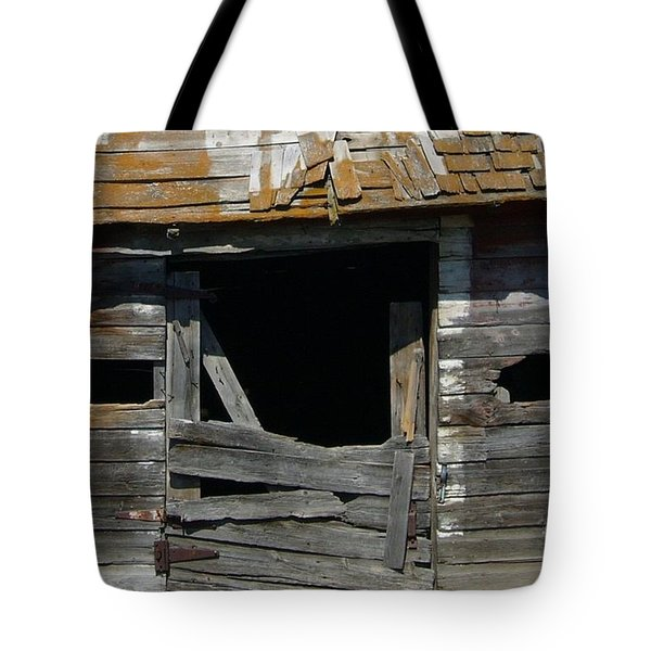 Tote Bag featuring the photograph Spooky Face by Jim Sauchyn