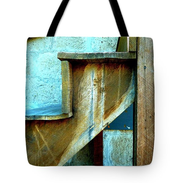 Tote Bag featuring the photograph Stepping Up To The Blues by Newel Hunter