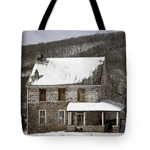 Stone Farmhouse In Snow Tote Bag by John Stephens