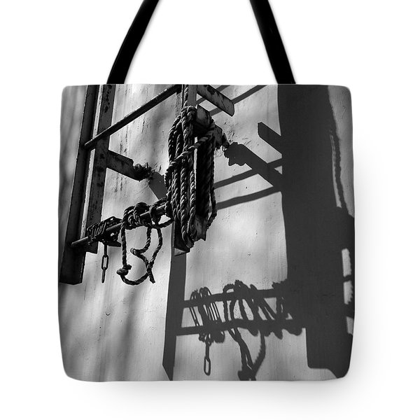 Sun Play Tote Bag