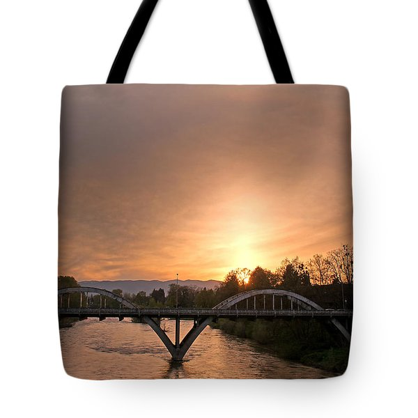 Sunburst Sunset Over Caveman Bridge Tote Bag