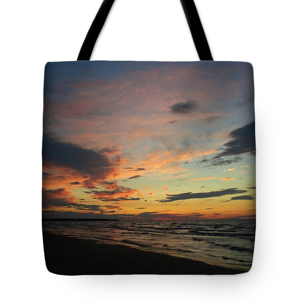 Tote Bag featuring the photograph Sundown  by Barbara McMahon