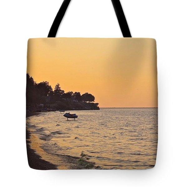 Sunset At The Gold Coast Tote Bag