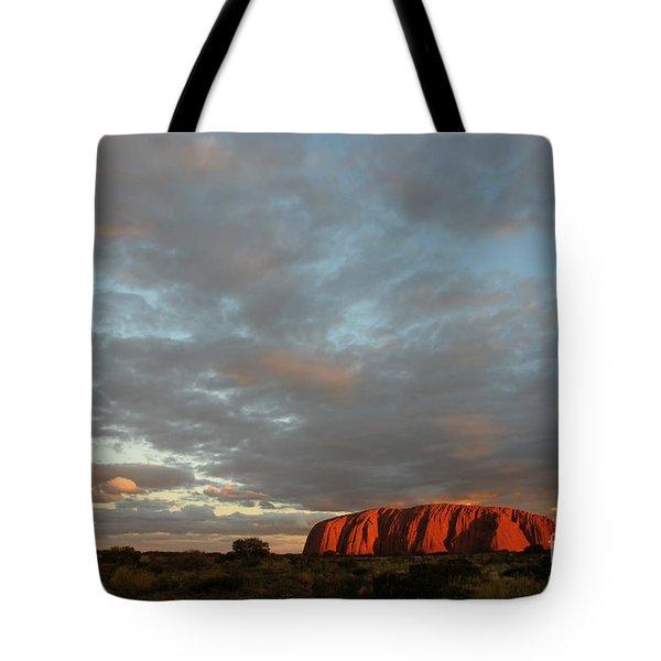 Sunset At Uluru Tote Bag by Vivian Christopher